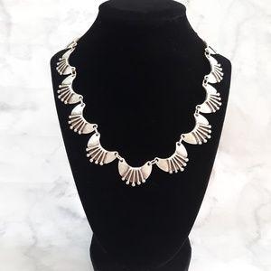 Silvertone link necklace